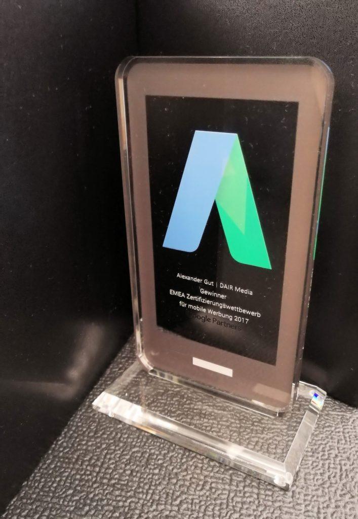 """Pokal """"Gewinner des Google Partner Zertifizierungswettbewerb für mobile Werbung"""""""